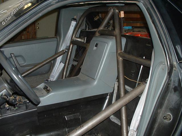 Chase Race Fiero Cages